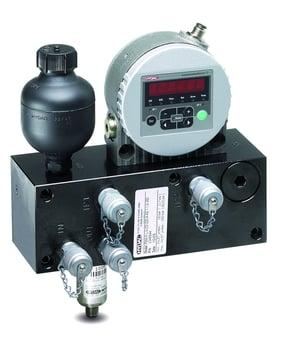 Il Fluid Monitoring Module FMM combina un acqua sensor al contatore di particelle
